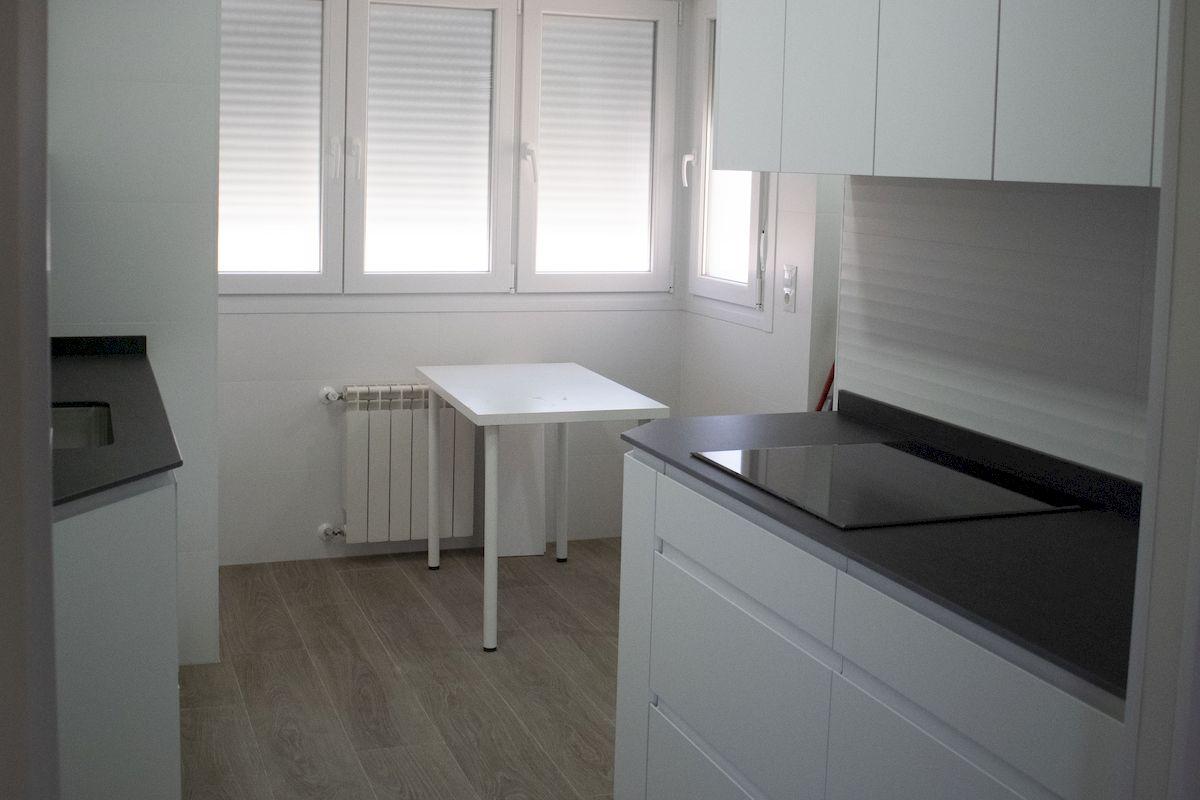 Detalle Reforma de cocina encimera y mobiliario